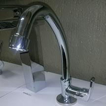 Instalação ou troca de torneira de bancada